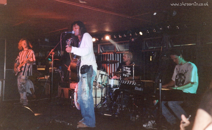The Wheatsheaf, Stoke, 9th July 1995 (thanks to Ian Cliffe)